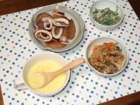 11/6 夕食 イカ大根、ほうれん草の白和え、コーンクリームスープ、キノコの炊き込みご飯
