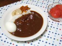 11/8 夕食 レトルトカレー、ゆで卵、福神漬け、らっきょう、トマト