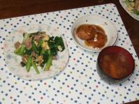11/19 夕食 小松菜と豚肉の玉子炒め、蓮根ひろうすの煮物、かぼちゃの味噌汁