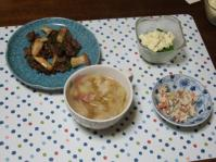 1/21 夕食 牛肉とエリンギのオイスター炒め、ブロッコリーのタルタルサラダ、こんにゃくの白和え、キャベツとベーコンのスープ
