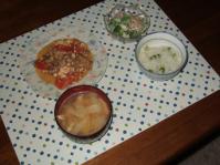 3/14 夕食 豚肉と豆腐のトマト炒め、海老とブロッコリーのサラダ、白菜と油揚げの味噌汁、グリーンピースご飯