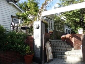 8/15 焼き立てワッフル Cafe & Shop