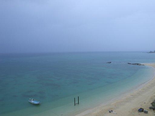 靄のビーチ