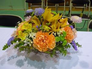 中学校の卒業式のお花