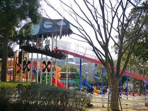石ヶ谷公園のアドベンチャートリム広場