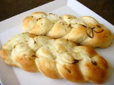 玉ねぎの三つ編みパン