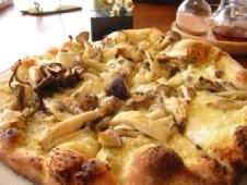 プルチーノ きのこピザ