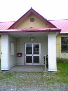 旧東裏小学校校舎玄関
