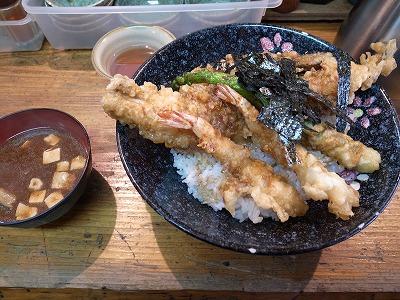 海老穴子天丼840円