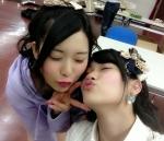 SKE48 宮前杏実 東李苑 セクシー キス顔 ピース 顔アップ 目を閉じている 高画質エロかわいい画像8