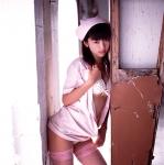 松嶋初音 セクシー ナース コスプレ 網タイツ 太もも 誘惑 脱ぎかけ 高画質エロかわいい画像13