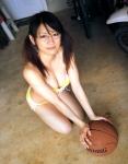 時東ぁみ セクシー ビキニ水着 巨乳おっぱいの谷間 ツインテール メガネ 挑発ポーズ ハロプロ 舐める 高画質エロかわいい画像10