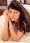 鉄オタ モデル 市川紗椰(いちかわさや) セクシー 顔アップ カメラ目線 胸チラ 誘惑 高画質エロかわいい画像4
