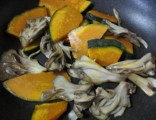 かぼちゃと舞茸のソテー 調理