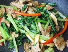 小松菜のオイスターソース炒め 調理