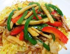 青椒肉絲炒麺 調理⑥