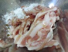 青椒肉絲炒麺 【下準備】①