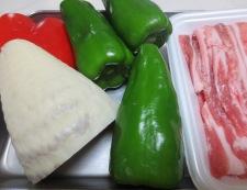 青椒肉絲炒麺 材料