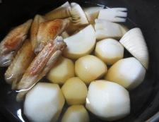 手羽中と里芋の炊いたん 調理②