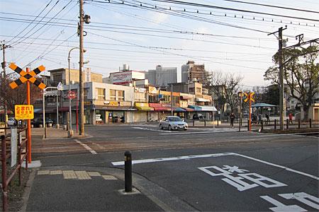 萩原駅の踏切01