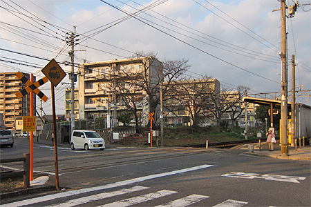 萩原駅の踏切05