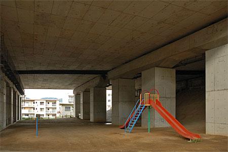 門司港ICの高架下公園02