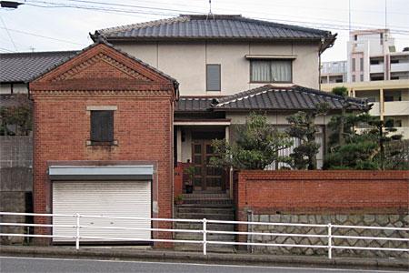 門司区清見のレンガ建築01