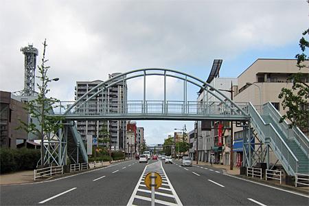 西小倉横断歩道橋01