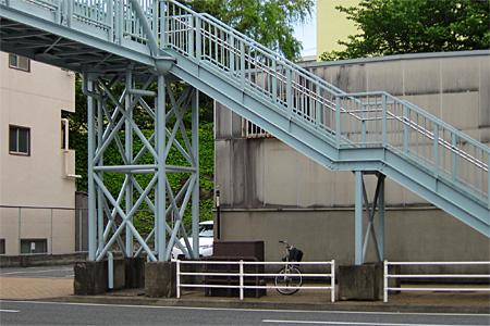 西小倉横断歩道橋08