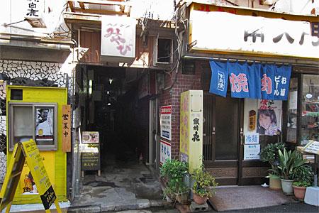 栄町の飲食店街03