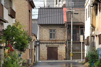戸畑区幸町の鉱滓レンガ建築01