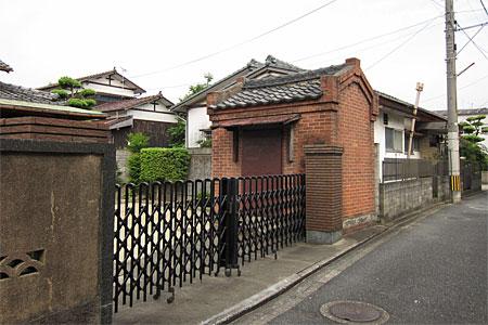 吉塚のレンガ建築01