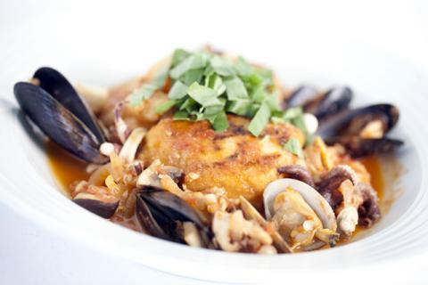 Sauteed+Opah+in+Seafood+Stew_convert_20120915090408.jpg