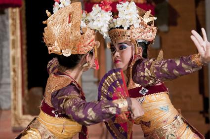 踊り子2人