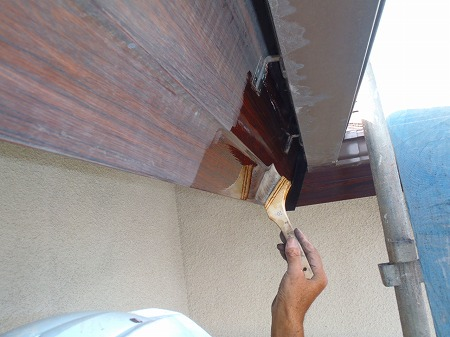 05破風(塩ビ製)耐候性シリコン樹脂塗料塗布