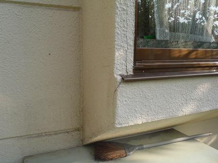 05出窓出隅もひび割れ