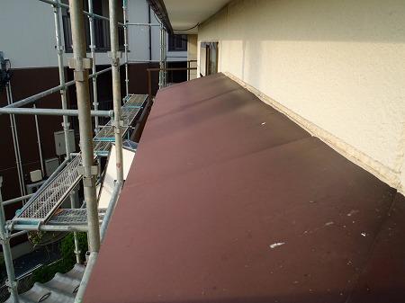 04出窓小屋根の変褪色
