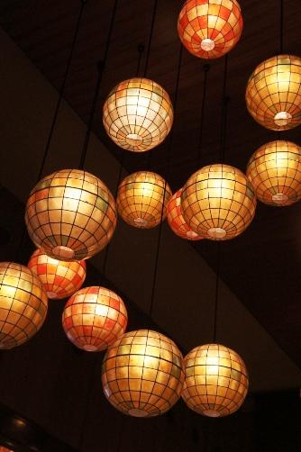 丸い照明①