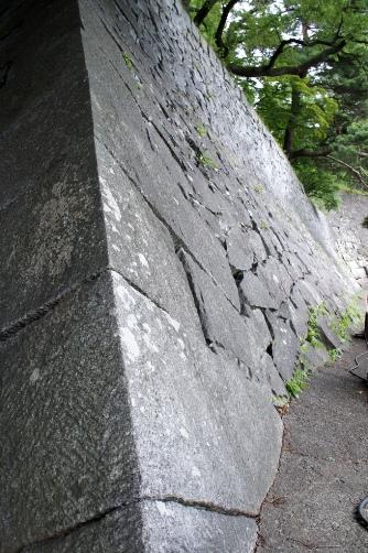 盛岡城趾の石垣①
