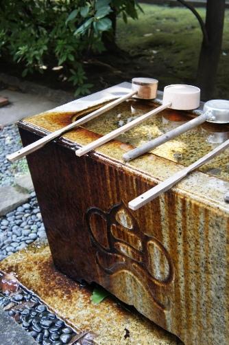 兜神社・手水鉢