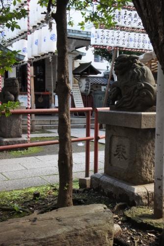椙森神社の境内
