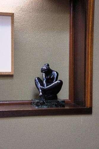 公会堂多賀 室内の彫刻