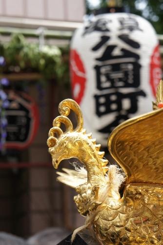 三社祭・御神輿の鳳凰