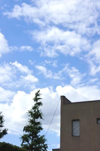 中村橋の青い空