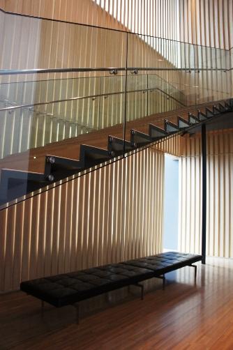 サントリー美術館階段