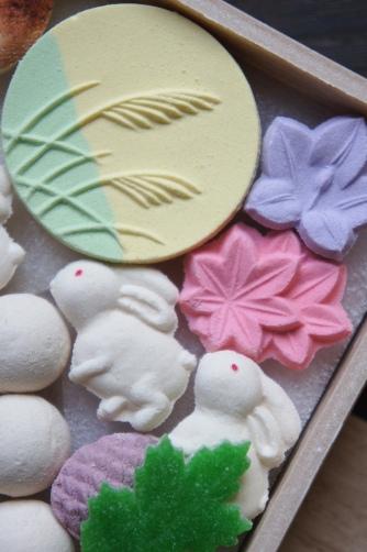 お月見のお干菓子・塩瀬③