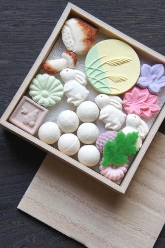 お月見のお干菓子・塩瀬②