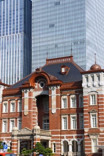 201210東京駅・真ん中遠景