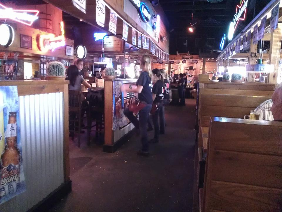 2012_8_25 Texas Roadhouse-1