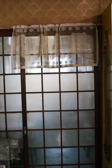 佐々木菓子店 奥のガラス戸